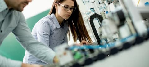 UK Universities and Sciences Minister Praises Potential of Micro-Robots