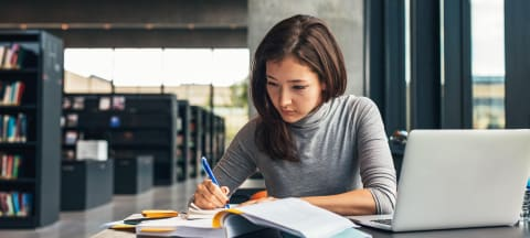 What Students Should Know About Associate Degrees