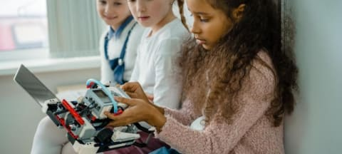 Six Initiatives To Encourage Girls In STEM Throughout The World
