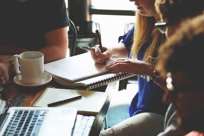 112143_people-woman-coffee-meeting.jpg