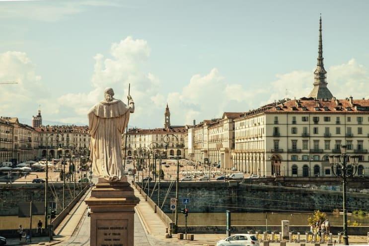117620_rsz_piazza-vittorio-438449_1280.jpg