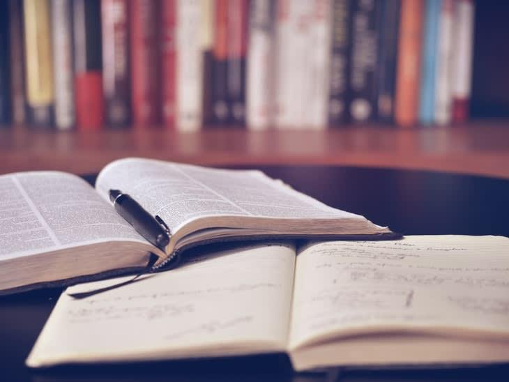 120020_books-bookshelf-education-159621.jpg