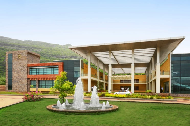 126082_Universal-Business-School_Ext-Entrance.jpg