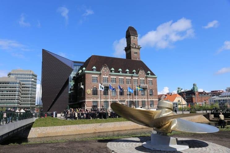 130821_WMU-Building-on-inauguration-day.jpg