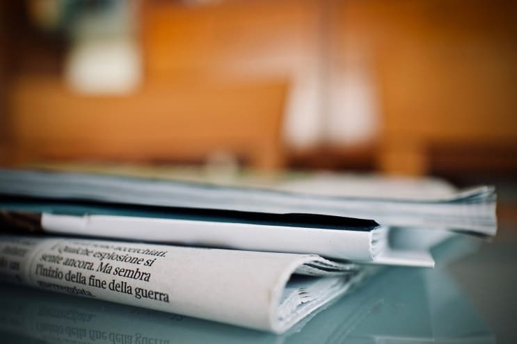 newspapers, weekly, reading