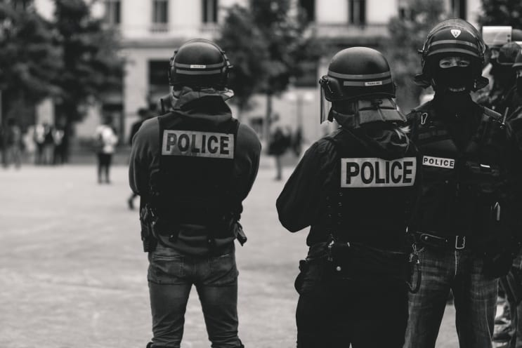 High police presence in Lyon, France, during the 25th weekend of the yellow vests movement.  Police violence is at its highest since the 1950s. As of now, 23 protestors and bystanders have lost an eye and 5 persons their hand (source: mediapart.fr, http://tiny.cc/6hd85y) Recently an independant journalist, got arrested (https://twitter.com/GaspardGlanz). Violence continues, even though Amnesty International and the UN condemn the use of excessive force against protesters (source: amnesty.org, http://tiny.cc/3jd85y).