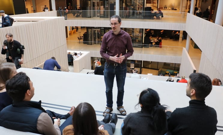 Faculty of Humanities, University of Gothenburg, Jakob Lundgren teaching