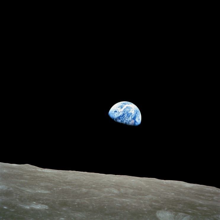 134501_earth-soil-creep-moon-lunar-surface-87009.jpeg