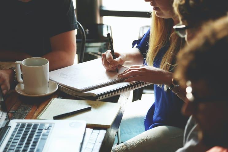 135502_people-woman-coffee-meeting.jpg