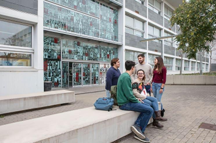 Students at Campus Sescelades, Tarragona