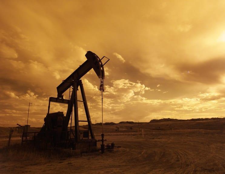 146027_oil-pump-jack-sunset-clouds-silhouette-162568.jpeg