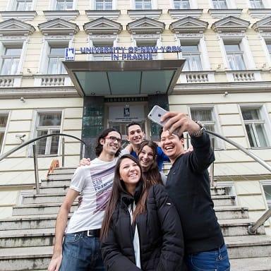 UNYP Selfie