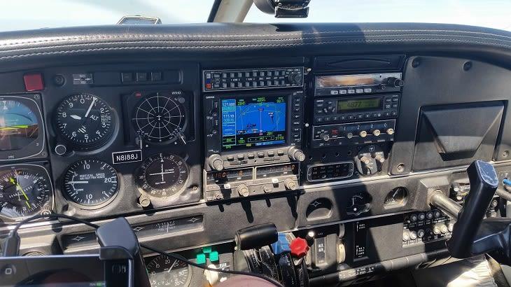 cockpit-1274033_1280