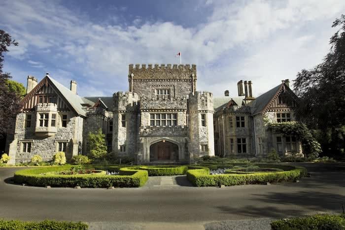 RRU Hatley Castle Front